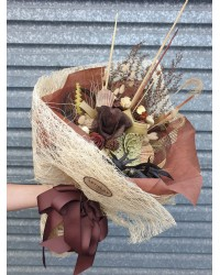 05 Exclusive Earthy Bouquet