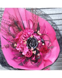 08 Exclusive Hot Pink & Black Flax Bouquet